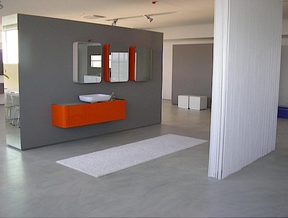 Floor in bio-mortar colore grigio leggermente sfumato